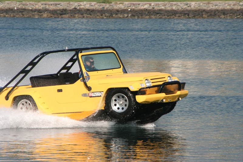 Watercar Gator - The worlds first amphibious Jeep ...