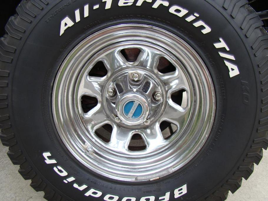 Factory Cj Chrome Wagon Wheels on Jeep Cherokee Tires