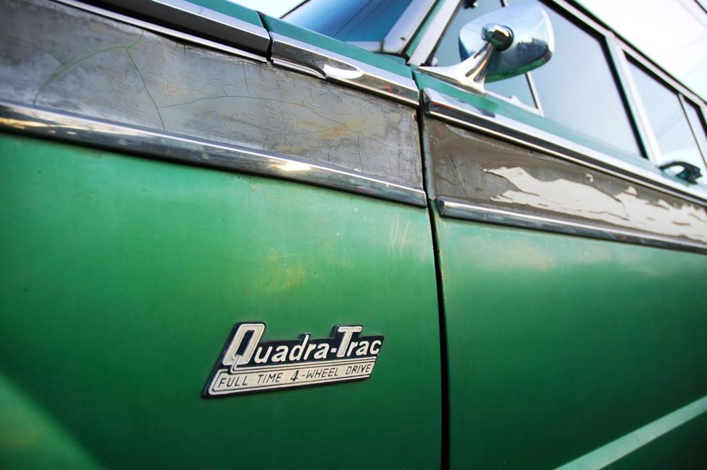 Jeep Wagoneer Quadratrac Badge on 1995 Jeep Cherokee Limited