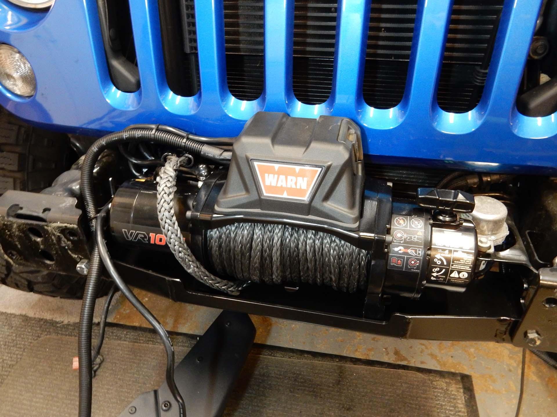 Warn VR10-S Winch Installation on a Wrangler JK | jeepfan.com