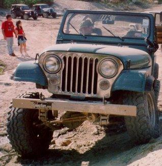 Glenn's 85 Jeep CJ-7, Chevy 350, Dana 44, Rancho lift, Swampers