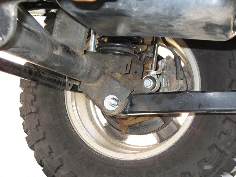 Jeep Lift Kit >> Caster Adjusting Bolts Install JK Jeep Wrangler BDS | jeepfan.com