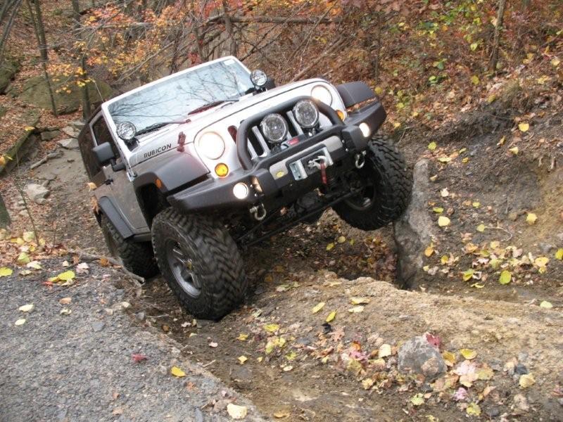 Jeep Wrangler JK 2 Door and 4 Door Trail Comparison | jeepfan.com