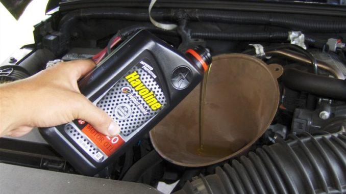 Wrangler JK 3.8L Oil Change DIY change your Jeep oil ...
