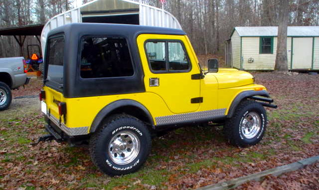 QUESTION Do you guys know of anyone that makes custom hard tops for 1974 CJ-5? Chris Smith & CJ-5 Hard Top | jeepfan.com
