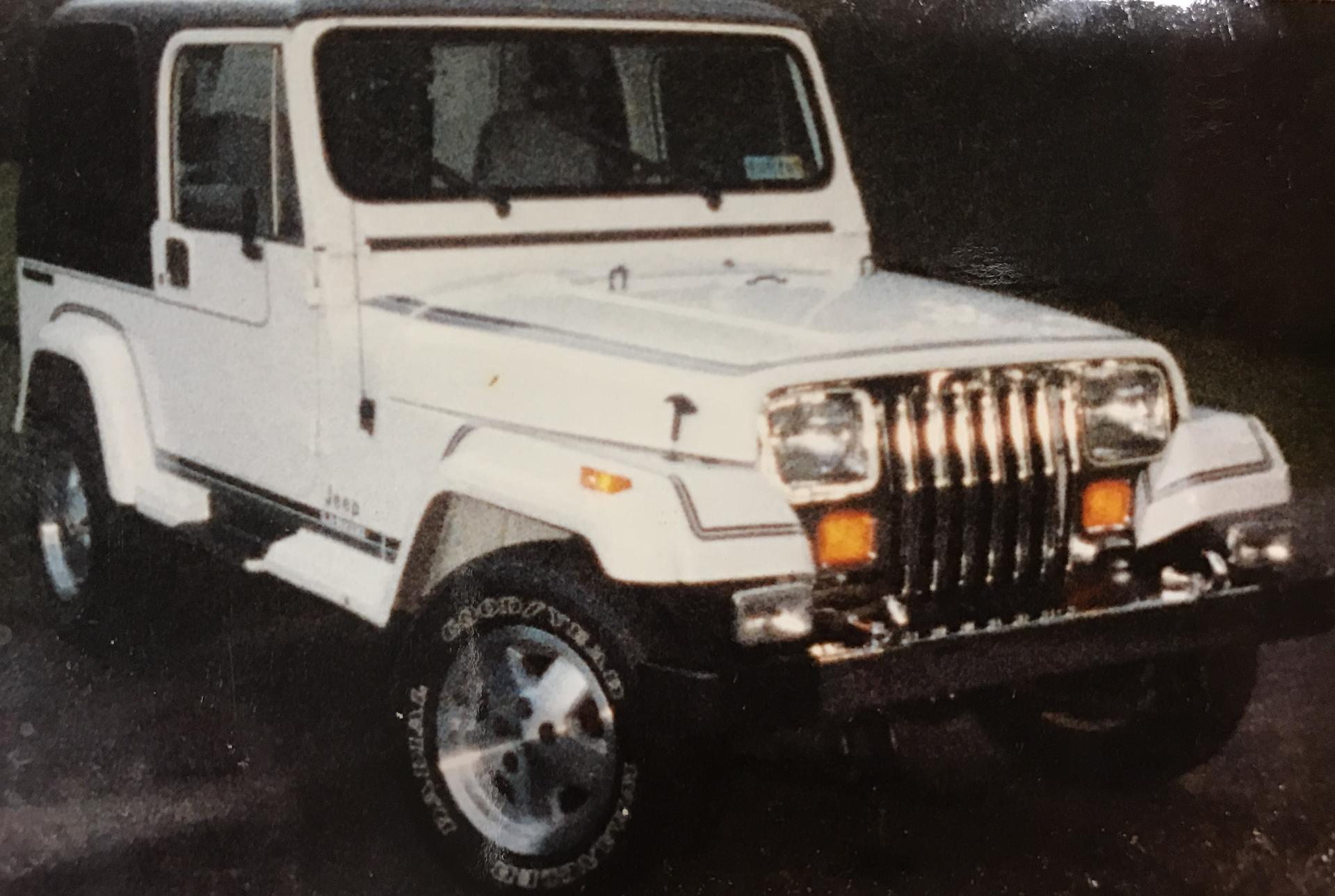 Mikes Jeeps 07 Jk 78 Cj 5 70 91 Wrangler 84 Xj Arb 1988 Jeep Hard Top Lockers Holley Pro Jection Edelbrock Manifold Bds Warn Winch