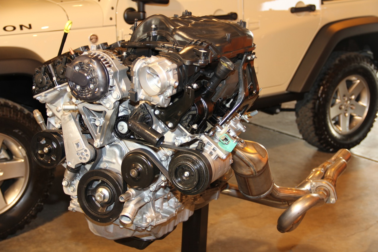 Jeep 3.6 Engine >> Squeezing The Pentastar V6 Into The Jeep Wrangler Jeepfan Com