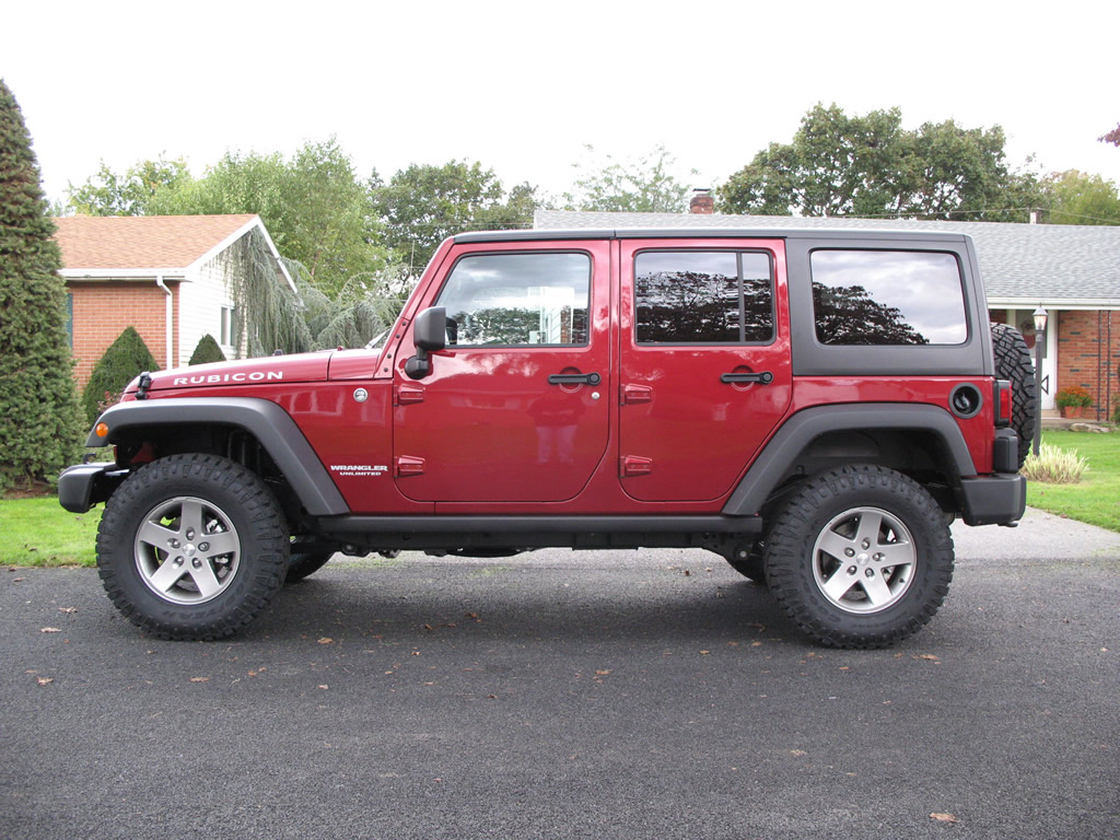 Jeep Jk Tires >> Goodyear Wrangler Duratrac 285/75R17 Tires Installed Wrangler | jeepfan.com