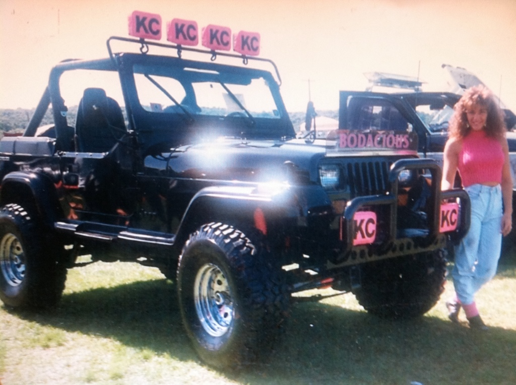 bodacious jeep picture of the day 1987 jeep wrangler yj. Black Bedroom Furniture Sets. Home Design Ideas