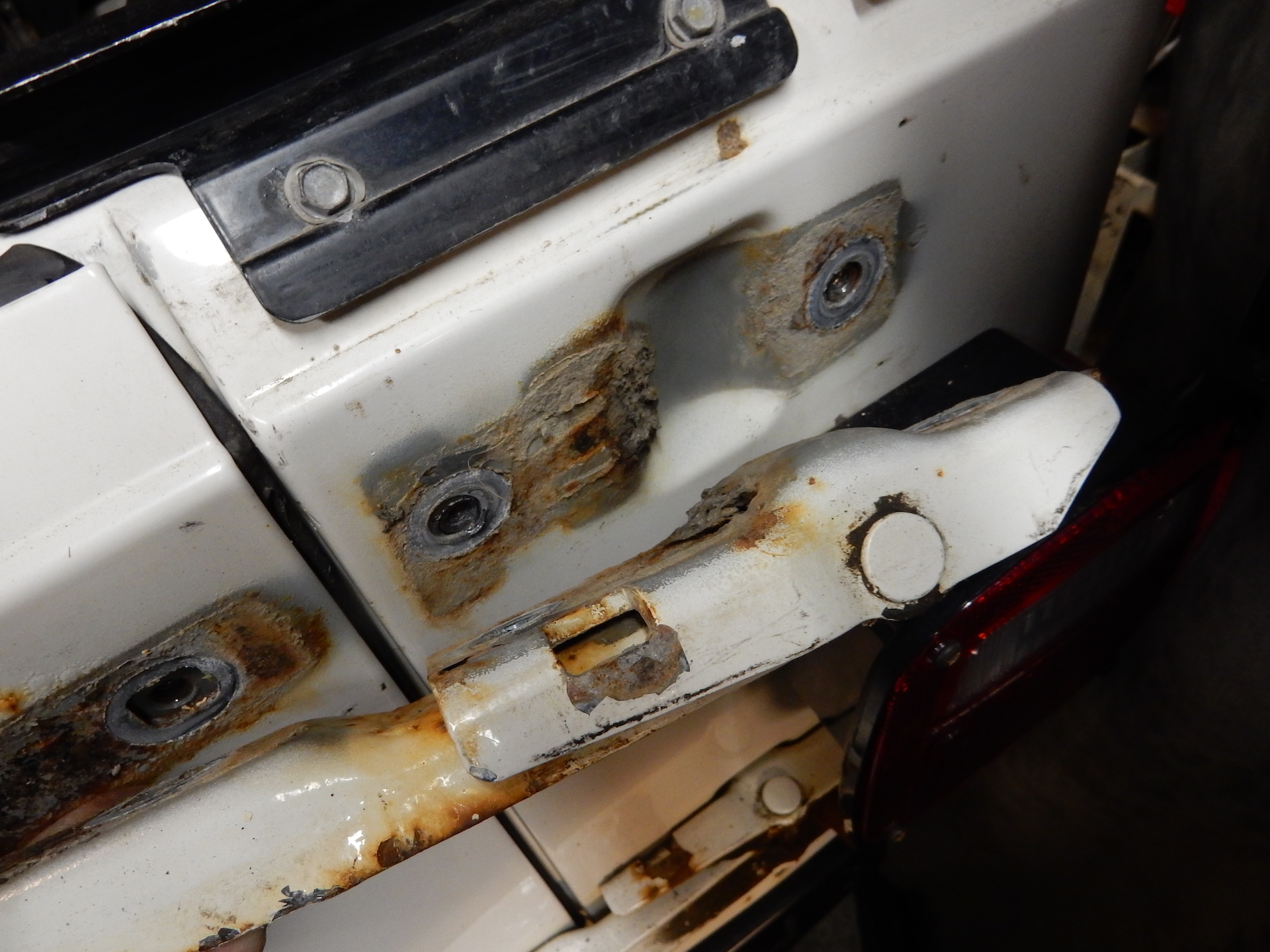 Jeep Wrangler Tj Replacement Tailgate Hinges Crown